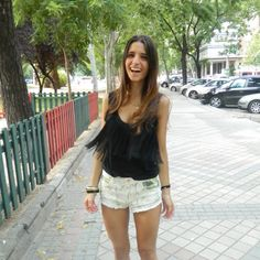 fringe black shirt and tropical shorts #zara #martasshowcase #streetstyle #madrid #spain