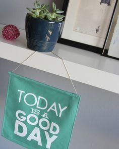 diy good day sign | Lovely Indeed