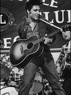 Elvis, Love