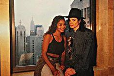 a book that contains rare pics of michael jackson💖 Michael Jackson Quotes, Photos Of Michael Jackson, Michael Jackson Wallpaper, Michael Jackson Smile, The Jackson Five, Jackson Family, Janet Jackson 80s, Familia Jackson, Paris Jackson