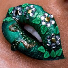42 MAGIC SHADOWS OF LIP RED Green lipstick is one of the hottest trends this year. This magical make-up product can change a person's mood. In recent years, women have abandoned . Make up Lip Art, Lipstick Art, Lipsticks, Lipstick Dupes, Makeup Art, Lip Makeup, Makeup Tips, Beauty Makeup, Green Lipstick
