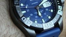 Full review & original photos of the Victorinox Swiss Army Airboss Mechanical Black Edition watch including price, specs, & expert analysis.