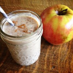 Delicious Apple Pie Smoothie (Paleo, vegan and raw) | The Little Things