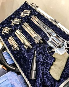 Janz 357 magnum German section of Weapons Guns, Guns And Ammo, Self Defense Weapons, Survival, Custom Guns, Fire Powers, Cool Guns, Fantasy Weapons, Tactical Gear