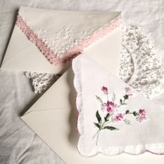 Convallaria maialis — I made some envelopes with vintage handkerchiefs 💌 Cute Wallpaper Backgrounds, Cute Wallpapers, Diy Crafts To Do, Paper Crafts, Cute Letters, Vintage Handkerchiefs, Bullet Journal Ideas Pages, Everything Pink, White Aesthetic