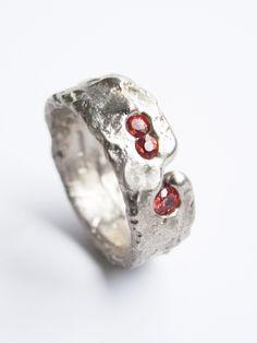 Freeform ring in white gold with orange sapphires. Kelvin J Birk Eye Jewelry, Jewelry Art, Jewelery, Unique Jewelry, Bold Rings, White Gold Rings, Silver Rings, Wax Ring, Orange Sapphire