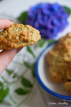 Minz-Cookies mit Haferflocken sind eine leckere, gesunde und schmackhafte Cookie-Variante ohne Zucker, dafür mit Haferflocken, Banane und ganz viel Minze. <3