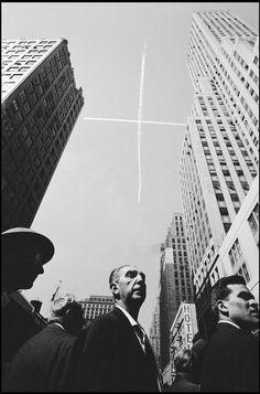 New York City, 1959. Photo: Burt Glinn.