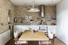 White, rustic, modern . . . = Shannon Brown.