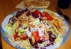 Gyros tál 4. - gazdagon tzatziki öntettel | NOSALTY Gyro Pita, Tzatziki, Meat Recipes, Street Food, Hamburger, Cabbage, Grilling, Mexican, Baking