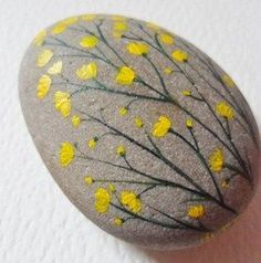 Buttercups - Hand painted paperweight - Acrylic miniature painting on a large beach pebble. Measurements included in the photos. I also paint to order, please contact me with any requests :-)Painted Rock Ideas - Do you need rock painting ideas for spreadi Rock Painting Patterns, Rock Painting Ideas Easy, Rock Painting Designs, Paint Designs, Painted Patterns, Pebble Painting, Pebble Art, Stone Painting, Painting Walls