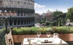 Tisch mit Ausblick auf Kolosseum