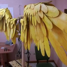 Complete cosplay tutorial to craft articulated angel wings from wood and foam. Diy Angel Wings, Angel Wings Costume, Cosplay Wings, Diy Wings, Cosplay Diy, Cosplay Costumes, Foam Costumes, Anime Costumes, Halloween Costumes