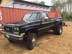 Single cab GMC dually - good example of a nice plow truck