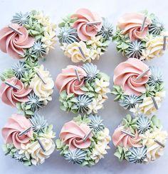 Elegant Cupcakes, Pastel Cupcakes, Fancy Cupcakes, Floral Cupcakes, Pretty Cupcakes, Beautiful Cupcakes, Floral Cake, Wedding Cupcakes, Cupcakes Kids