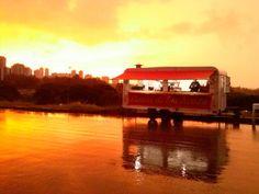 O site e o aplicativo 'Guia Food Truck nas Ruas' oferece gratuitamente serviço dos food trucks online.