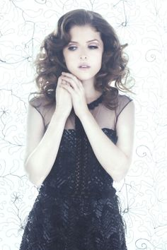Anna Kendrick Mary Ann Shaffer Pictures Magazine Photos Celebrity