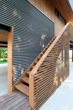 Galerie des North Fork Bay House / Auflösung: 4 Architektur – 4 – Gallery of North Fork Bay House / Resolution: 4 Architecture – 4 – House Cladding, Timber Cladding, Architecture Design, Architectural Design House Plans, Casas Containers, Local Architects, Exterior Design, Gallery, Log Homes