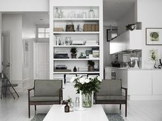 lotta-agaton-pia-ulin-stockholm-home-interior-scandinavian-style-white-living-room