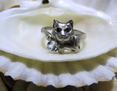 Sterling Silver Cat Ring Blue Topaz Sapphire Eyes Size 8, to purchase double click on picture.