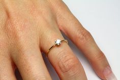 Round Cut Diamond Engagement Ring - Gold with Round Cut Diamond 6 prong Setting