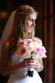 Sweet, soft, bridal bouquet. Daisies come in a zillion colors. Appleblossom-flowers.com