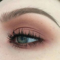 These are the best natural eye makeup looks to try out! These eye makeup looks will flatter everyone for any occasion. Rocking a natural eye makeup is a safe choice that will go with every outfit. Makeup Goals, Makeup Inspo, Makeup Inspiration, Makeup Ideas, Makeup Tutorials, Eyeshadow Tutorials, Makeup Tricks, Blush Makeup, Skin Makeup