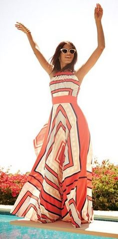 Super cute summer style, a colorful maxi dress