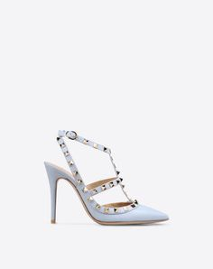 385d4f679a247 42 meilleures images du tableau Chaussures valentino   Heels, Boots ...