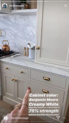Kitchen Cabinet Colors, Kitchen Redo, Home Decor Kitchen, Kitchen Interior, New Kitchen, Home Kitchens, Kitchen Dining, Kitchen Remodel, Kitchen Cabinets