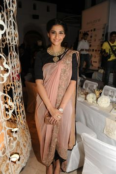 Anamika khanna Delhi Couture Week 2012  ...