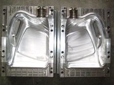 Choose the Right Manufacturer for Plastic Injection Molding
