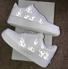 Cute Nike Shoes, Cute Sneakers, Jordan Shoes Girls, Girls Shoes, Boy Shoes, Shoes Women, Nike Shoes Air Force, Swag Shoes, Aesthetic Shoes