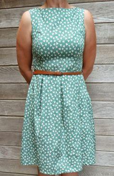 No, tu trochę tej modelki jest na śiwecie. Przeważnie wygląd modelek obrzydza mi nawet najefektowniejsze pokazy mody. Nieszczęście!!! karla's: June dress