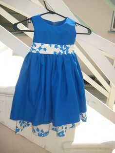 Flower girl dress pattern - Simplicity pattern 4246. Really like this dress, may have to get the pattern.