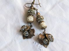 Vintage gold tone leaf earrings by TresChicTresor on Etsy, $50.00