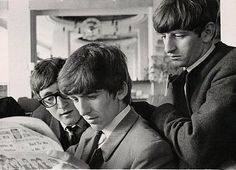 "osseteniveis: "" _John Lennon, George Harrison and/e Ringo Starr; The Beatles; England/Inglaterra; Bournemouth; Palace Court Hotel; The Beatles Book; August 23rd 1963/23 de agosto de 1963. _Photo/Foto: Leslie Bryce. """