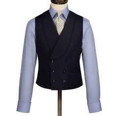 Charles Tyrwhitt has an exceptional suit range. From business to crease-resistant suits, the collection is all-inclusive. Gentlemans Club, Double Breasted Waistcoat, Der Gentleman, Charles Tyrwhitt, Suit Accessories, London, Mens Suits, Blazer Suit, Groom