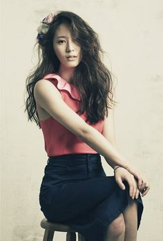 Discovered by Eunji. Find images and videos about kpop, f(x) and krystal on We Heart It - the app to get lost in what you love. Krystal Jung, Krystal Sulli, Jessica & Krystal, Kpop Fashion, Love Fashion, Girl Fashion, Girl's Generation, Korean Model, Models