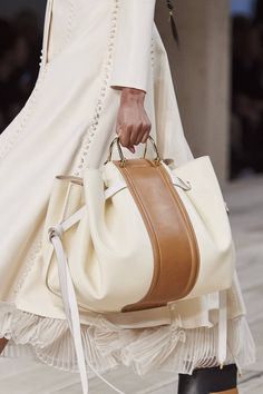 Alexander McQueen Spring / Summer 2020 Ready-To-Wear Mcqueen. - Alexander McQueen Spring / Summer 2020 Ready-To-Wear Mcqueen. Looks like the Loewe hammock This ima - Popular Handbags, Cute Handbags, Purses And Handbags, Cheap Handbags, Handbags Online, Prada Purses, Leather Handbags, Purses Online, Latest Handbags