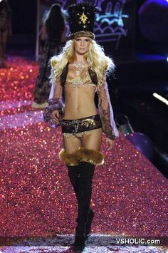 Victoria's Secret Fashion Show 2005 Russian Winberg Secret