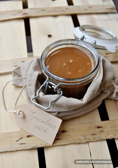 Speculoos spread for when Ed has eaten all of mine! Food Club, Nutella Recipes, Sweet Sauce, Dessert Recipes, Desserts, Sweet And Salty, Food Gifts, I Love Food, Sweet Recipes
