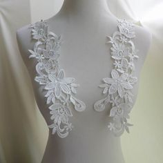 White Venice Applique, Bridal Lace Applique, Wedding Accessories by FabricTrims on Etsy https://www.etsy.com/listing/210656351/white-venice-applique-bridal-lace