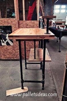 Reclaimed Pallet Desk