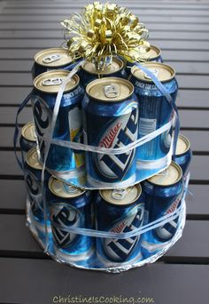 How to Make an Easy Beer Can cake. Could this be the & cake& at a baby shower? Soda Can Cakes, Beer Can Cakes, Beer Cakes Diy, Bud Light, Cake In A Can, Cake Tower, Man Birthday, Birthday Cake, Birthday Shots
