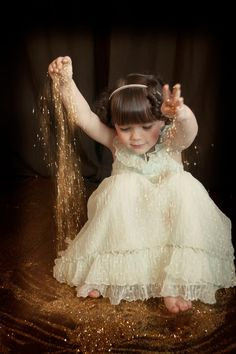 Little Girl Glitter Photo Shoot. Click pin for full blog post with pictures.
