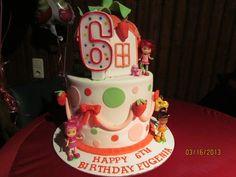 Gracie's Birthday -- Cake at a Strawberry Shortcake Party 5th Birthday Cake, Baby Girl Birthday, 4th Birthday Parties, Birthday Ideas, Lila Party, Party Party, Party Ideas, Strawberry Shortcake Birthday, Strawberry Cakes