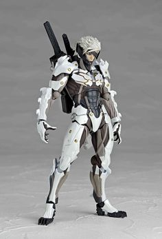 Metal Gear Rising Revengeance figurine Revoltech Yamaguchi No. 140 Raiden White Armor Ver. Kaiyodo Jap.