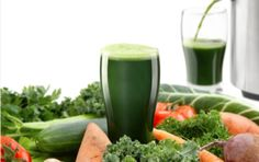 Pros and Cons of a Juice Diet If you're thinking about trying a juice diet for weight loss, read this first. There are some good reasons why juicing is not the best way to lose weight. Find out why I'm not a fan of this trendy program. Green Juice Recipes, Healthy Juice Recipes, Juicer Recipes, Whole Food Recipes, Food Now, Fruit Smoothies, Eating Plans, Healthy Choices, Kids Meals