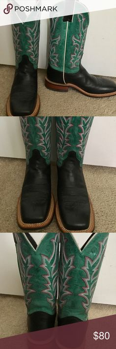 Beautiful teal and black Justin cowgirl boots Beautiful black and teal Justin cowgirl boots. Barely worn and in great condition. 🎀🌻 Justin Boots Shoes Heeled Boots